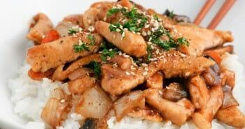 Blanc de poulette au sesame et riz aux crevettes