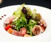 Salade gourmande melon, jambon cru & son parmesan