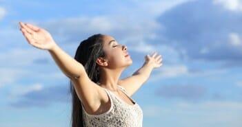 L'importance de la respiration pour la ligne et un ventre plat