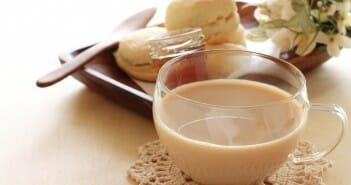 Le thé au lait fait-il grossir ?